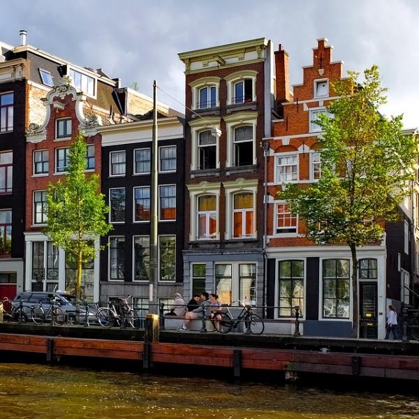 Amsterdam e i tulipani spider viaggi borgosesia for Agenzia immobiliare amsterdam