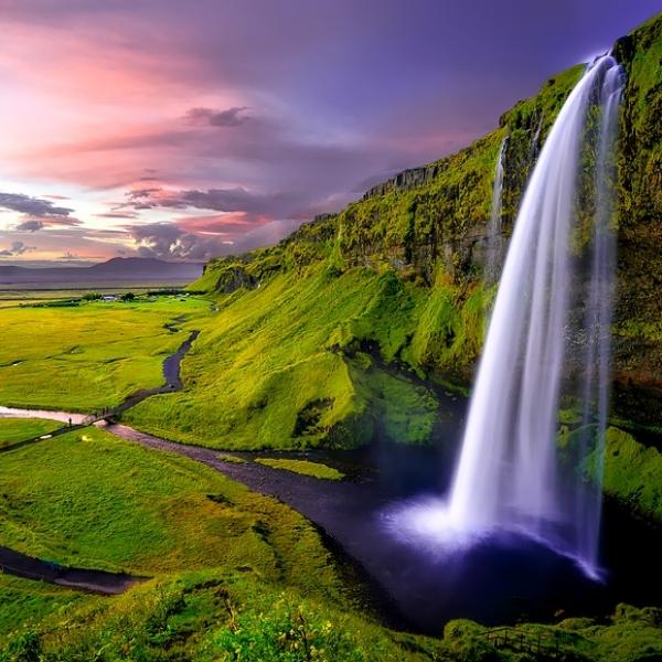 ISLANDA, TERRA DI VULCANI E GHIACCIAI